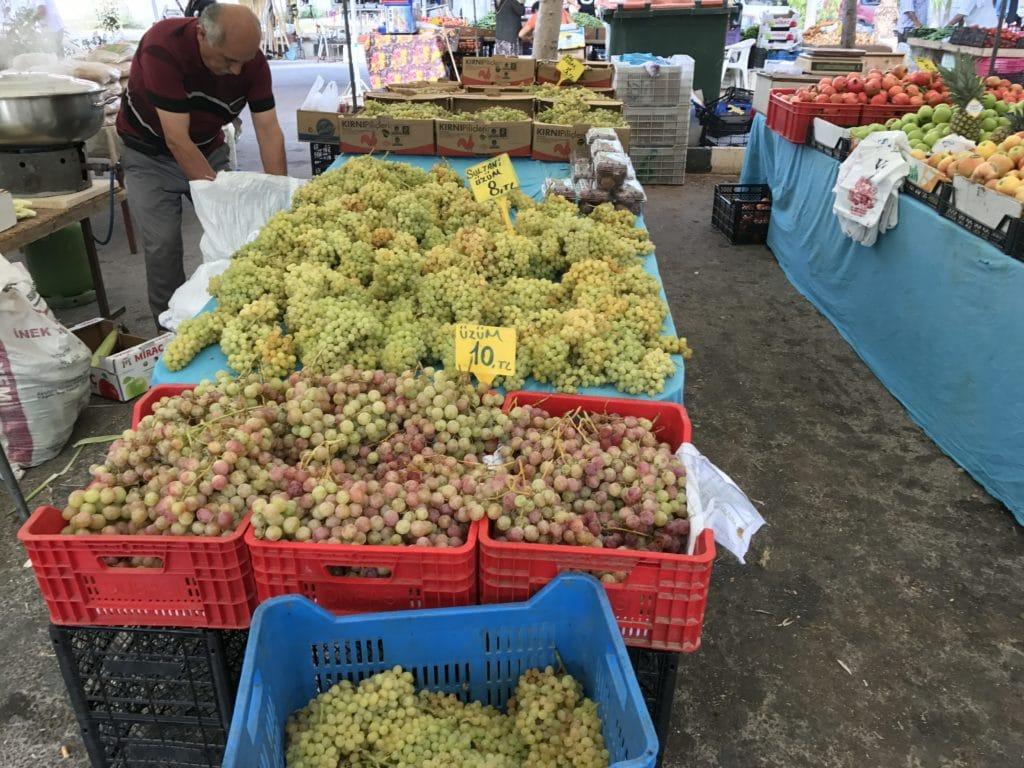 Рынок в Искеле
